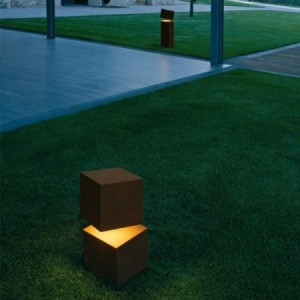 Vibia BREAK 4106 outdoor floor lamp