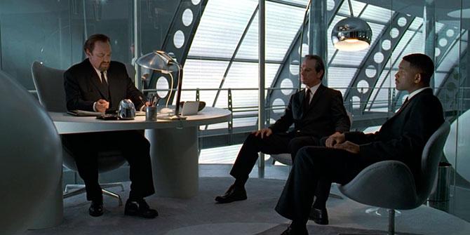 Lámpara Arco aparece en la famosa película de Men in black