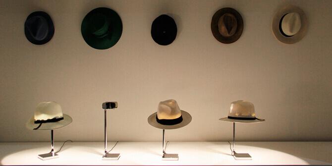 Lámpara de mesa Chapeau
