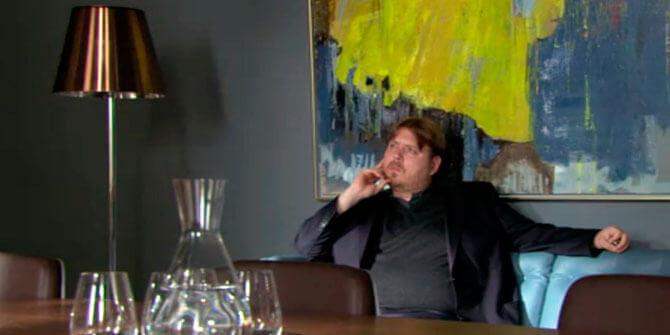 Lámpara de pie Ktribe aparece en serie The killing