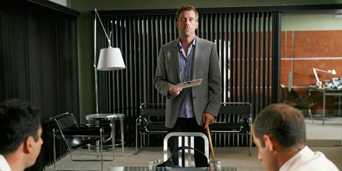 Lámpara Tolomeo versión de pie aparece en la serie House