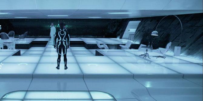 Lámpara Arco aparece en la mítica película Tron 2