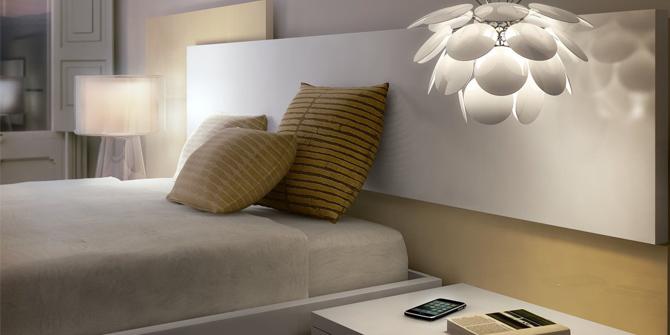 Lámpara colgante discoco de Marset para dormitorio