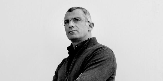 Arik Levy, diseñador de la lámpara Wireflow de Vibia