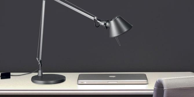 Lámpara de mesa Tolomeo de Artemide