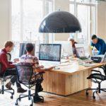 Cómo iluminar tu mesa de oficina de trabajo