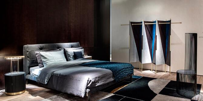 Dormitorio lujoso con biombo
