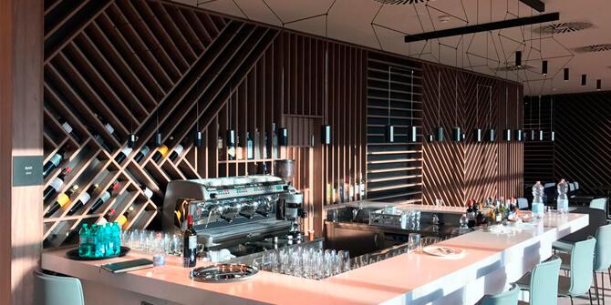 Wireflow Lineal en el bar del aeropuerto de Roma