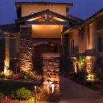 ¿Cómo iluminar el exterior de tú casa?