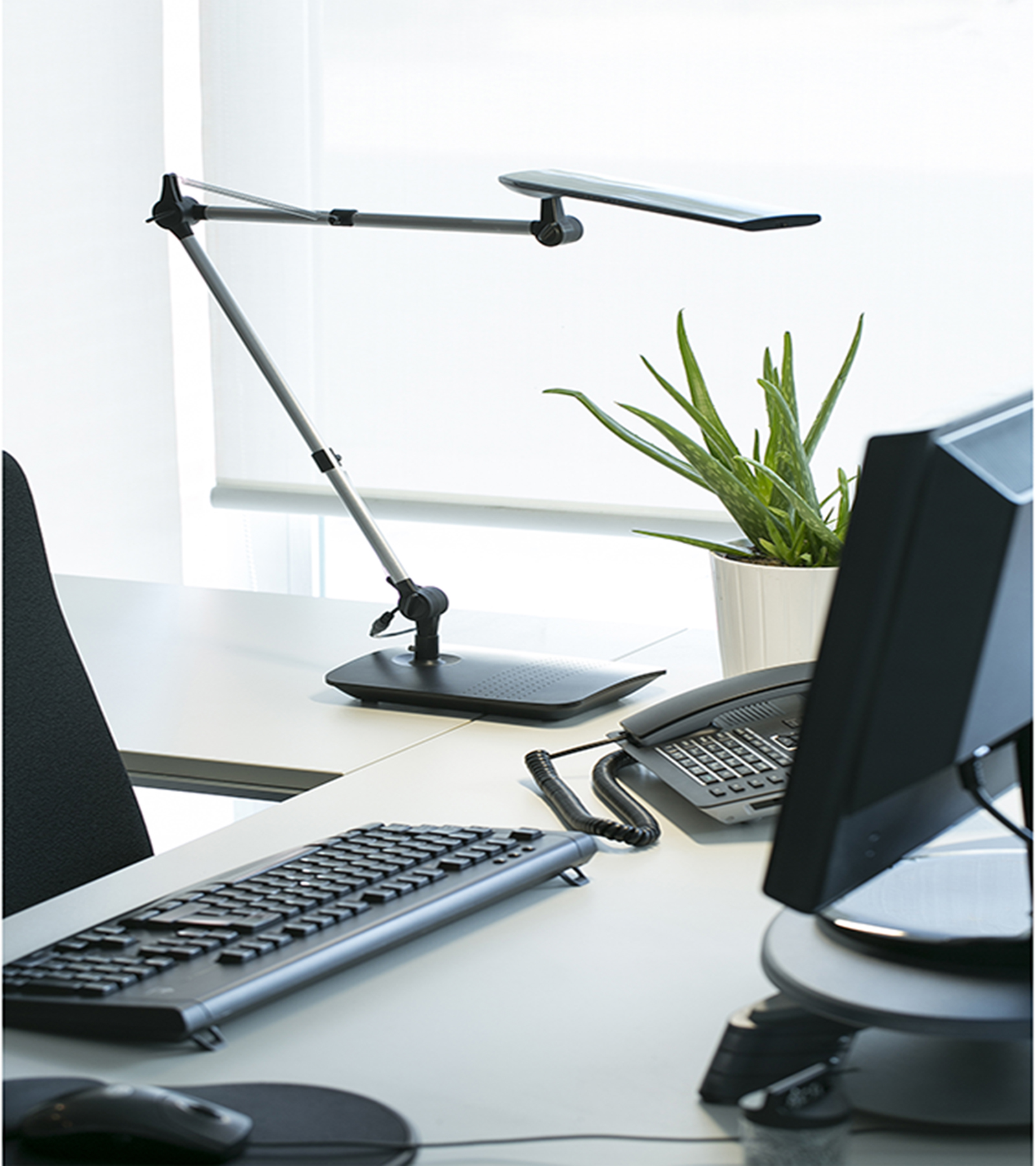More information of ITO table lamp - Faro