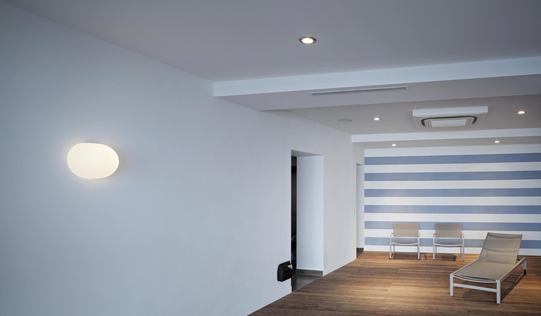 More information of Flos GLO-BALL W wall lamp