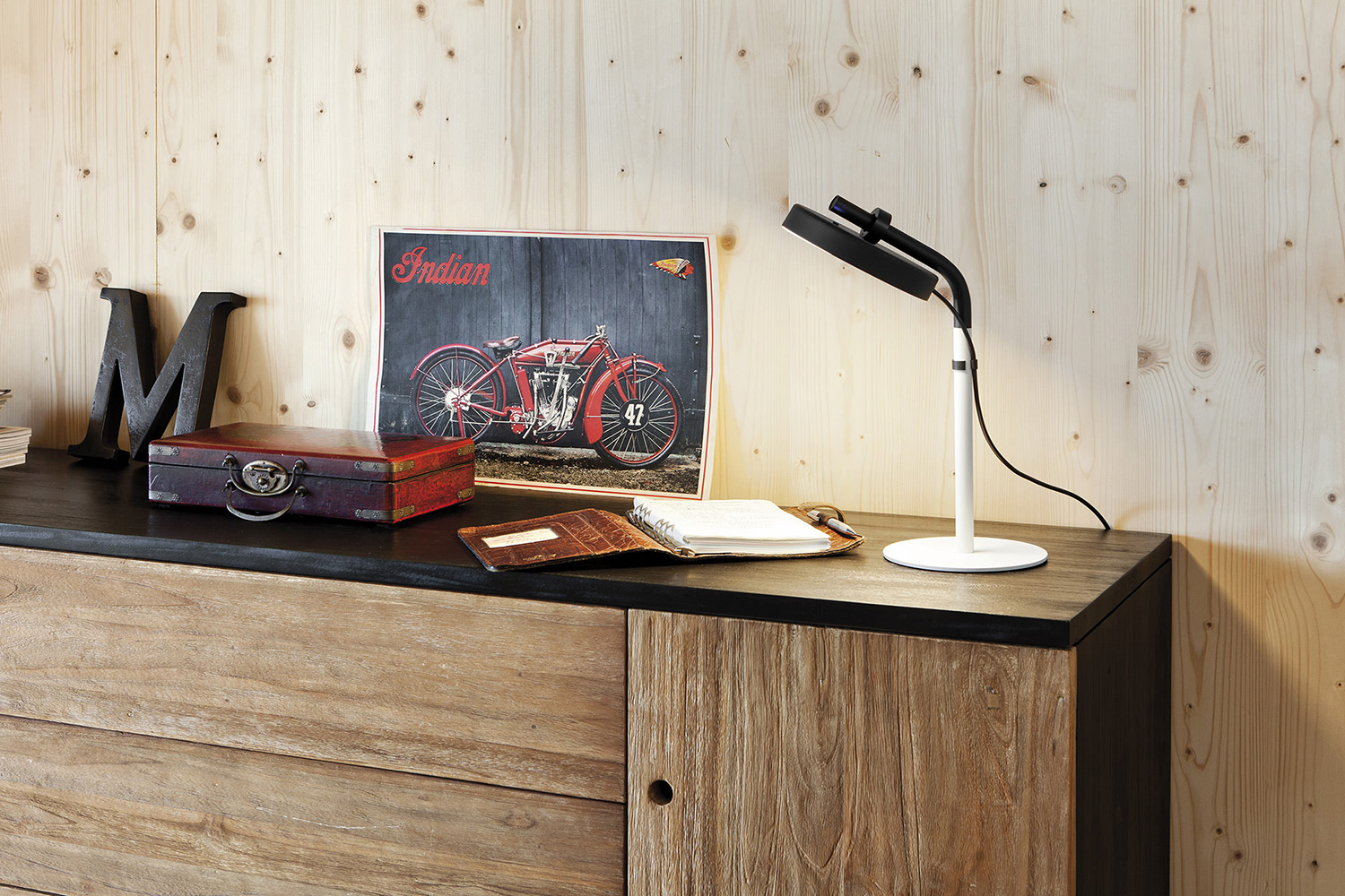 More information of Estiluz ARO table lamp